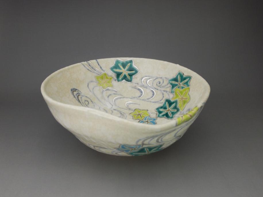 色絵 青楓に流水 茶碗