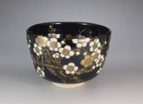 黒釉 白梅 茶碗